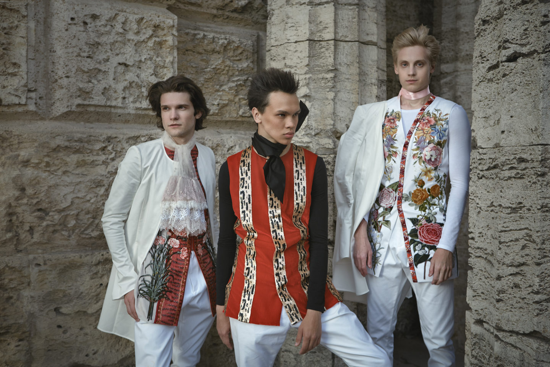 fashion-oct18-1-09