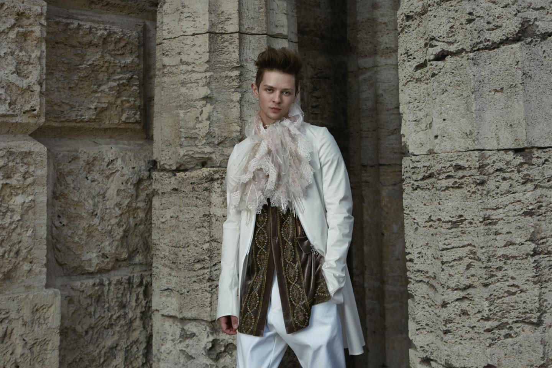 fashion-oct18-1-19